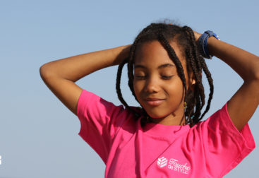 petite fille t-shirt rose